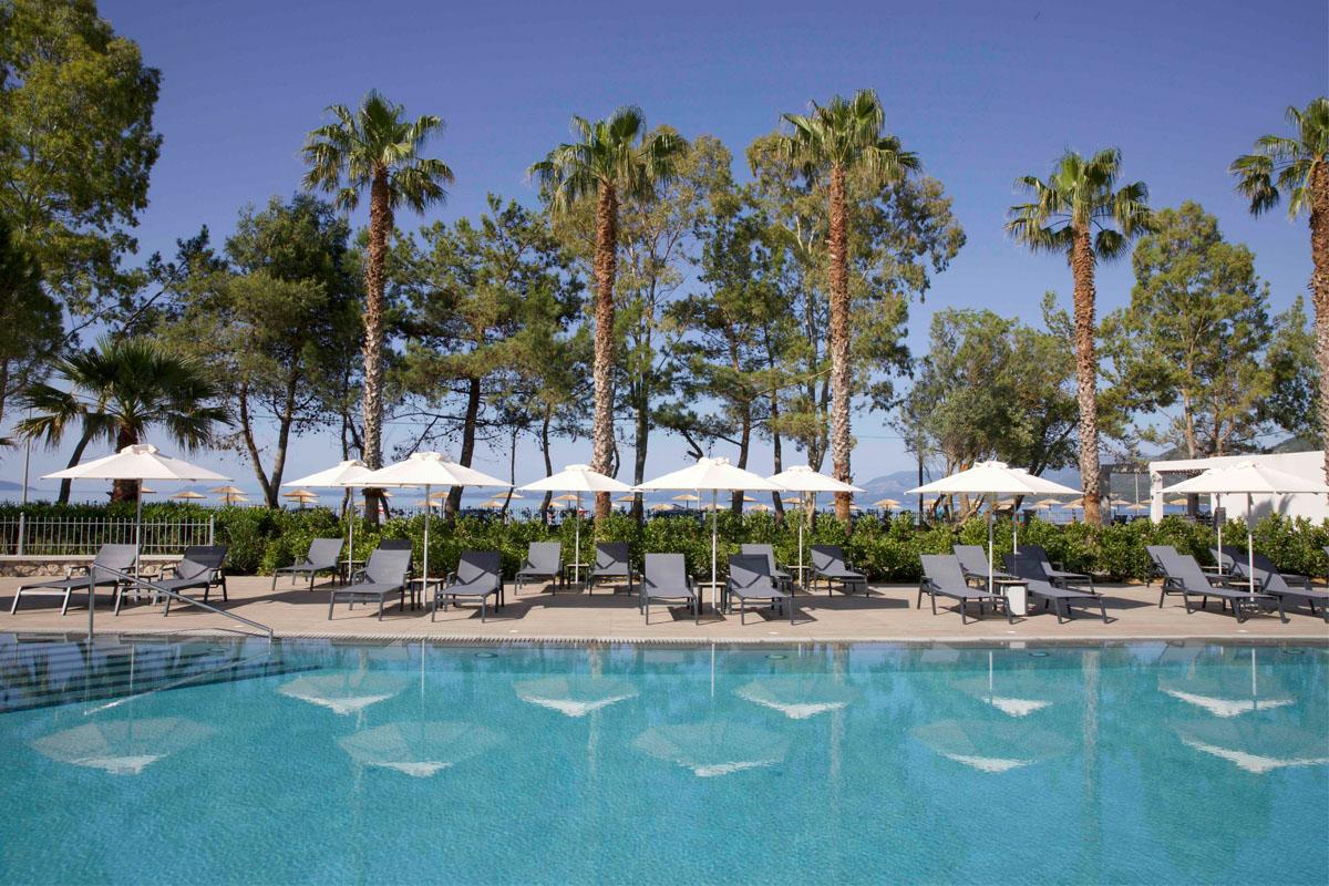 Paleros Beach Resort Luxury Hotel Main Gallery