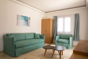 Paleros Beach Resort Hotel Suite 2