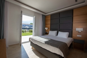 Paleros Beach Resort Hotel Suite 5