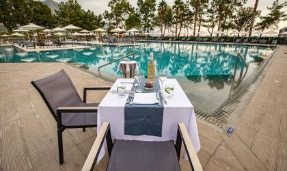 Paleros Beach Resort Luxury Hotel Restaurant 3